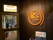 R's STORE