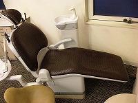 歯医者の椅子の張替え